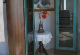 Cristaleira uma porta para sala de jantar